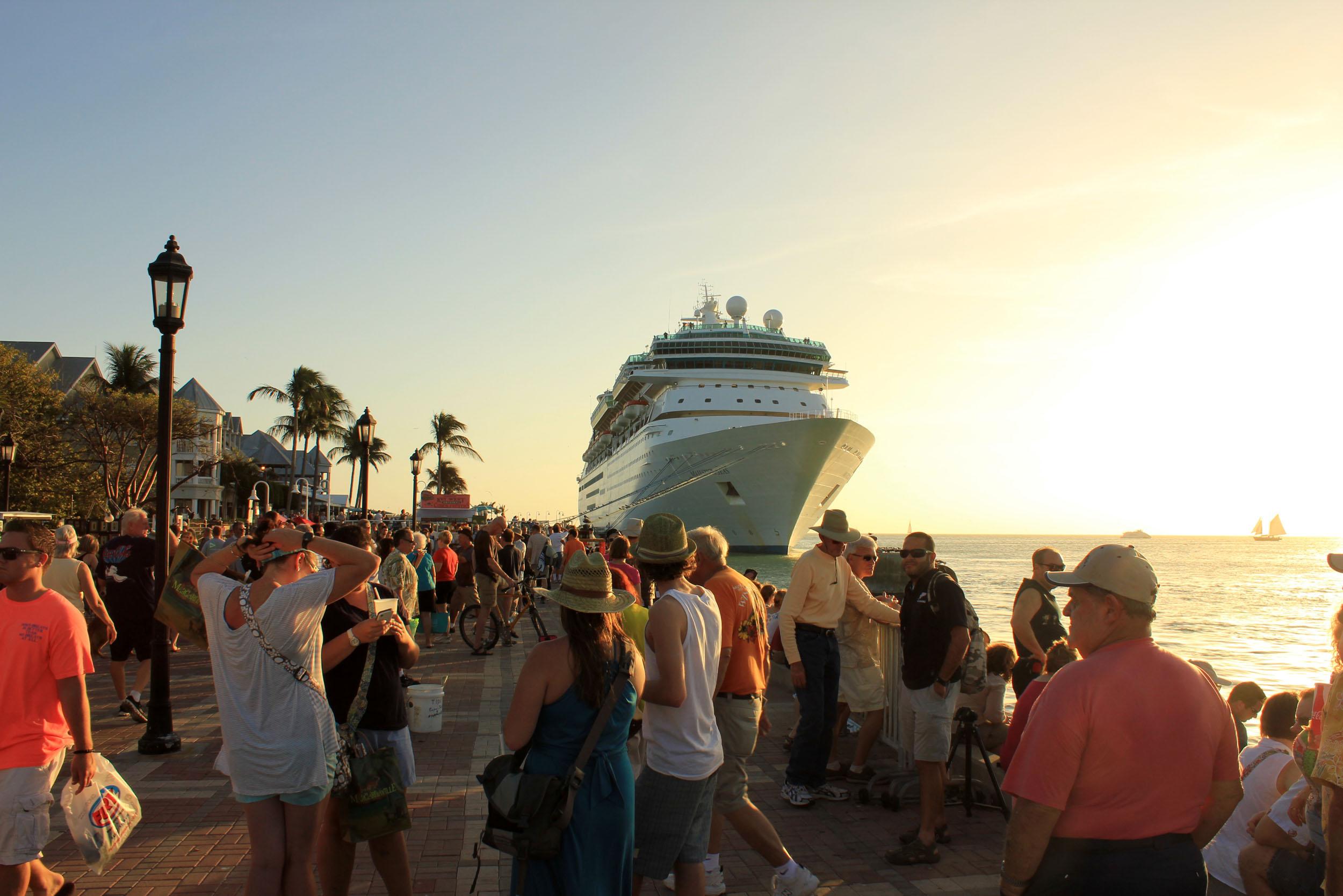 Гайд: регистрация на круиз в порту и посадка на лайнер.