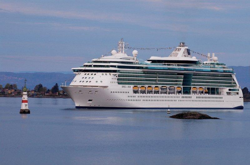 Фото судна Jewel Of The Seas