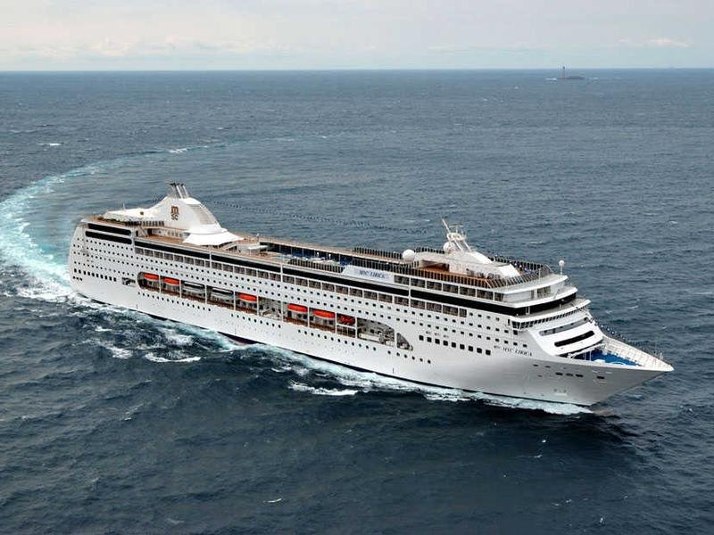 Фото судна MSC Lirica